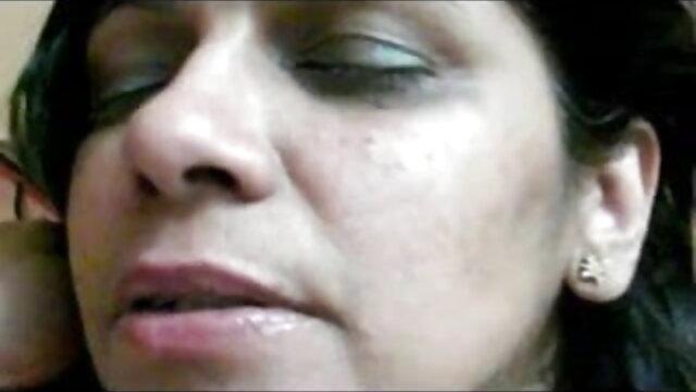 व्हाइट हॉटीज़ पर कई ब्लैक जेंट्स की हाइलाइट्स और कमशॉट्स - वाच रेट रेट हिंदी सेक्सी वीडियो फुल मूवी एचडी कमेंट!