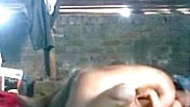 तिकड़ी सेक्सी पिक्चर बीएफ फुल एचडी में चाट और चूसने चुंबन