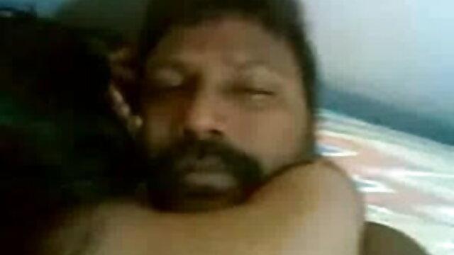 Amatuer उसे अच्छा गधा भरा हो जाता सेक्सी हिंदी फुल एचडी है