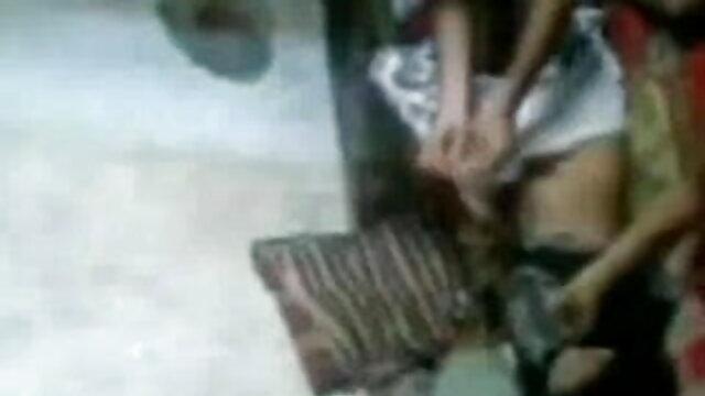 प्यारा कॉलेज लड़की गड़बड़ (UGG जूते) बीएफ सेक्सी मूवी फुल एचडी